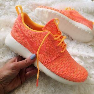 Nike Shoes - NWB 👣 NIKE ROSHE ONE FLYKNIT women's sizes