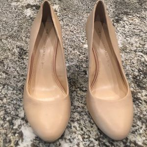 Banana Republic cream wedges size 7