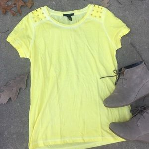 Forever 21 Tops - BNWOT Spiked shoulder yellow T, size L