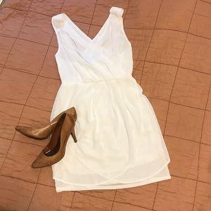 Tobi Dresses & Skirts - Tobi White Wrap Dress w/ Crossed Back