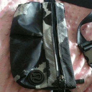 29 Off Lululemon Athletica Handbags Messenger Bag Fanny