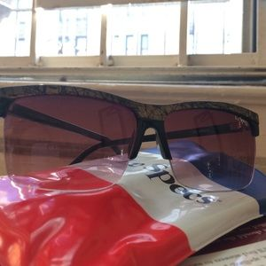 Le Specs Accessories - Cool LeSpecs retro purple lens sunglasses 😎