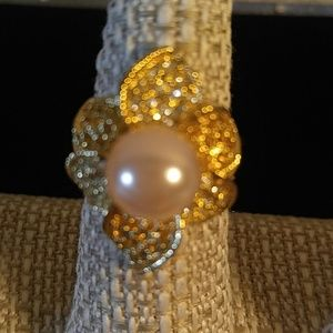 Jewelry - Size 8 ring with pink pearl
