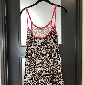 Ruffle night gown sz l