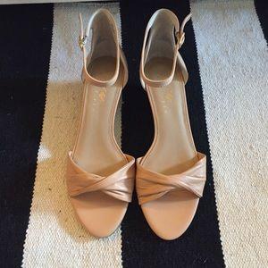 Low wedge sandal Chandra Lt Oak- Lord&Taylor 6 New