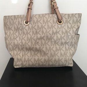 Lindsey Brown Luxe Resort Handbags - Michael Kors Purse