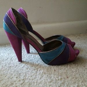Multi color heel