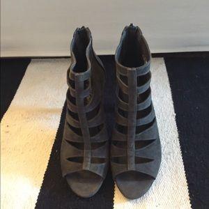 Florynce Cutout High Heel Lavagna Size 6- New