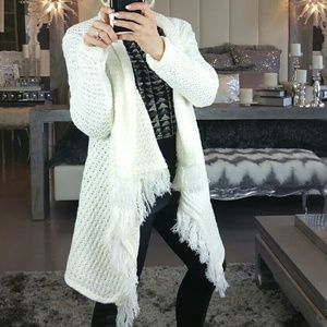 Sweaters - 🌟🚨LAST 2🚨Chic Cream knitted cardigan