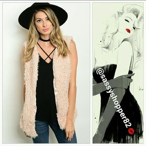 3C4G Jackets & Blazers - ❤RATED 5 stars❤Taupe shearling faux fur vest