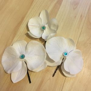 Accessories - 3 orchid hair pins with Turquoise center