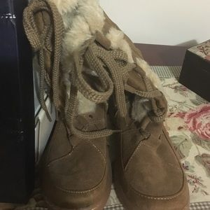 Shoes - Brand new furry boots
