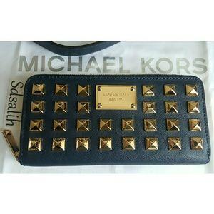 Michael Kors Handbags - Authentic🔹RARE🔹 Michael Kors Wallet