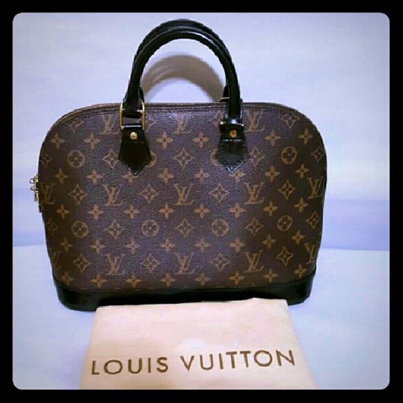 Louis Vuitton Handbags - Louis Vuitton Alma Pm Monogram Canvas tote handbag 59d4dc7d255d9