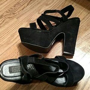 Deena & Ozzy Shoes - Deena & Ozzy chunky heeled strap shoes