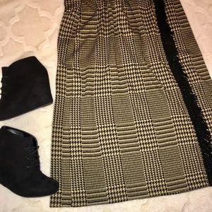 ‼️SALE‼️ Houndstooth Skirt w/ Fringe