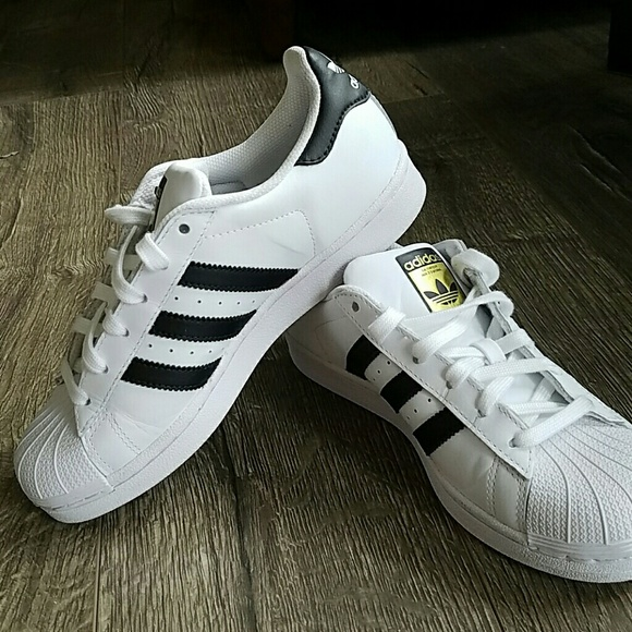New Adidas Superstar Size 6 Women