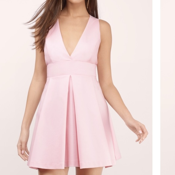 c4ac32ed6216 Soft pink strappy low-cut skater dress