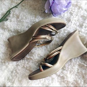 Classified  Shoes - MOVING SALE   Classified Platform Sandals
