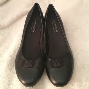 Black two inch heel with front bow