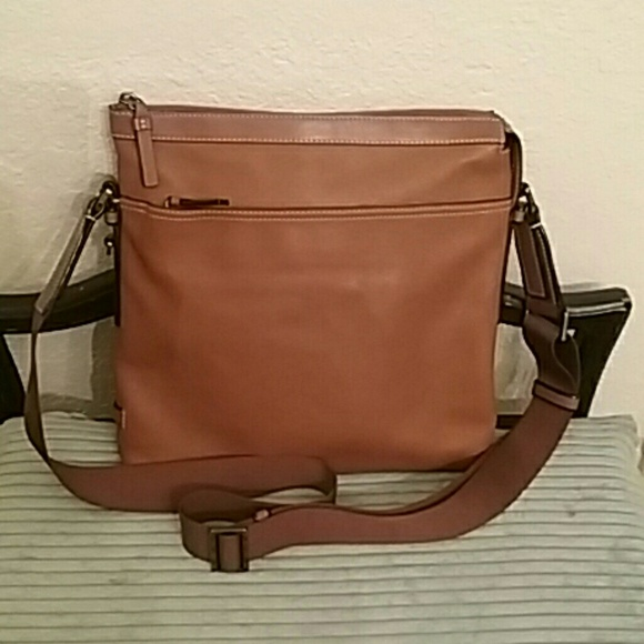 agreatvarietyofmodels compare price famous designer brand Tumi Mission Bartlett Leather Crossbody - Like New