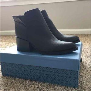 Simply Vera Vera Wang Shoes - NIB Leather booties