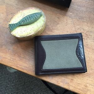 Filson Other - Filson leather and canvas wallet