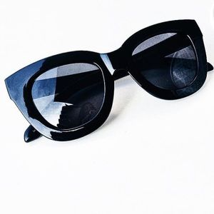 Quay Australia Accessories - Quay Sugar & Spice Black Sunglasses 😍😍😍