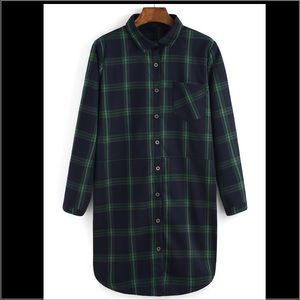 ROMWE Tops - Plaid long hem shirt