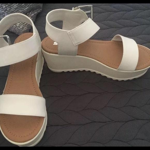 0be8a584299 New Soda Magali White Platform Sandals NIB Size 7