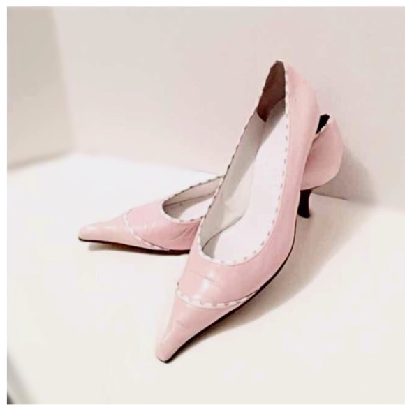 73% off CHANEL Shoes - Beautiful CHANEL Light PinK Pumps. Classy ...