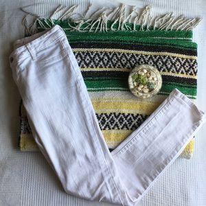 Bullhead Denim - Chic White Skinny Jeans