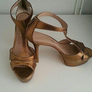Pour la Victoire Shoes - Pour la victoire Ilena leather T-Strap Hold Sandal