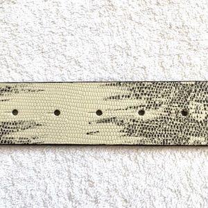 Ann Taylor Accessories - Ann Taylor Black & White Snake Print Belt