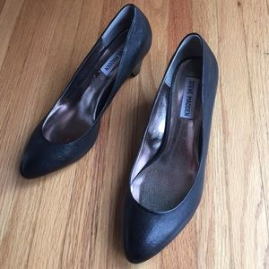 Steve Madden Shoes - HP 12/9✨🎊🎉Black leather pumps