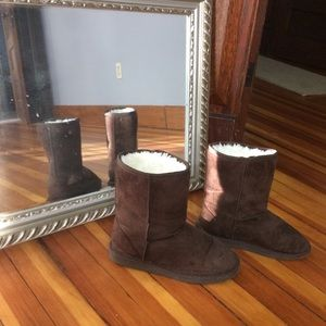 Dawgs Shoes - Brown winter boots
