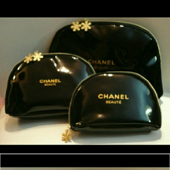 f83c00e02204 CHANEL Accessories - Authentic chanel snowflake cosmetic bag set of 3