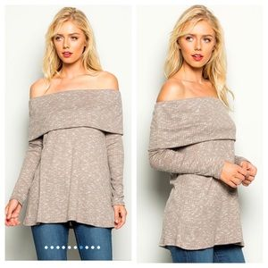 ✨NEW✨Off the shoulder tunic