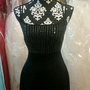♡HP♡ NWT Simple Black Sequin Dress
