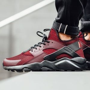 Nike Shoes - {Nike} Air Max Huaraches Run Ultra