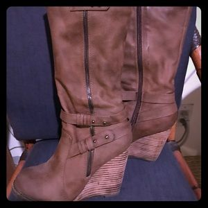 Very Volatile Shoes - Mid calf wedge boots