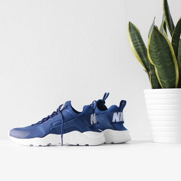 {Nike} Coastal Blue Air Max Huarache Ultra