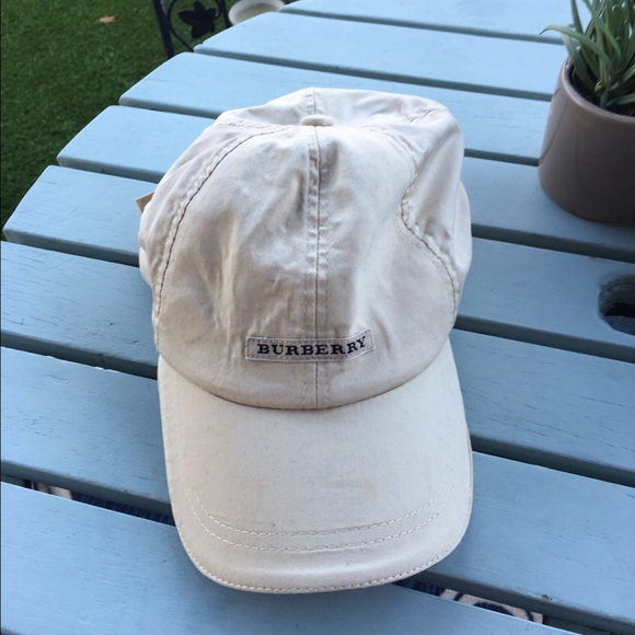 Burberry Other - Unisex Burberry Golf Cap Baseball Hat 16d5f59f9370