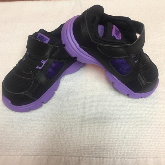 Baby girl purple/black Nike shoes size 6c