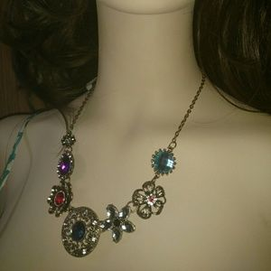 Jewelry - 🆕 Colorful Necklace