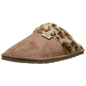 Western Chief Shoes - Luxurious Faux Suede Tan Slippers NWT 10
