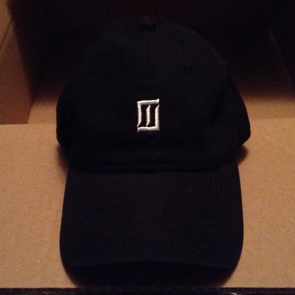 Majid Jordan hat. M 5821a7a9713fde567f0278e2 95d364e7513