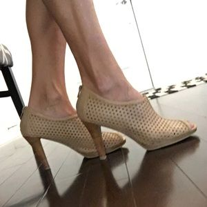 Gorgeous Tan Bootie Pumps, reduced!