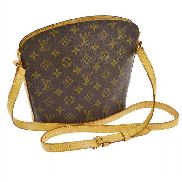 17de7a1183e1 Louis Vuitton Handbags - 💯Authentic Louis Vuitton Drouot crossbody vintage