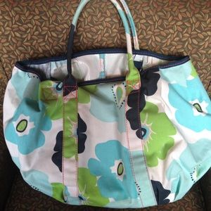 Thirty One Handbags - Thirty-one bag blue floral print snap closure